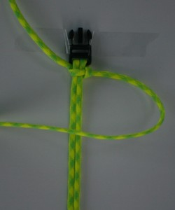 How to make a paracord bracelet step 11