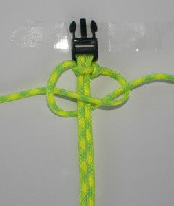 DIY paracord bracelet;Bracelet instructions;How to make a paracord bracelet