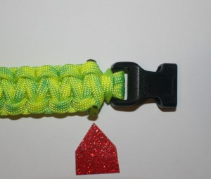 melting paracord;how to end a paracord bracelet;paracord instructions