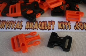 whistle buckles;orange whistle buckles;paracord bracelet whistle buickles