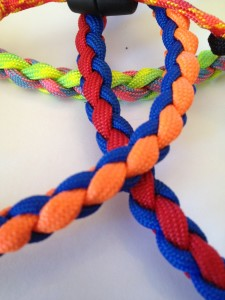 How to braid paracord;how to make a paracord necklace;survival necklace